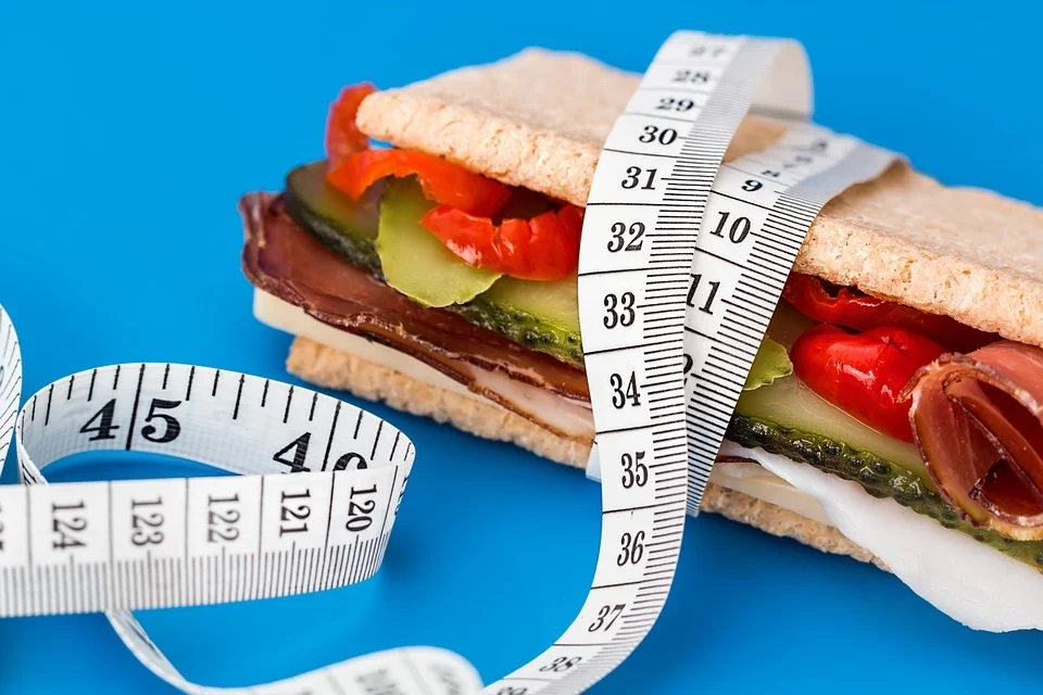 Menší porce, méně kilogramů